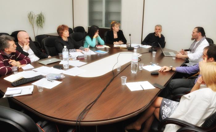 Diskusie s vládnymi organizáciami